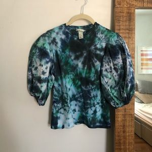 Tie dye puff sleeve blouse